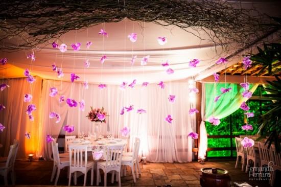 Decoração de casamento: cortina de orquídeas. Foto: Fernanda Ferraro.