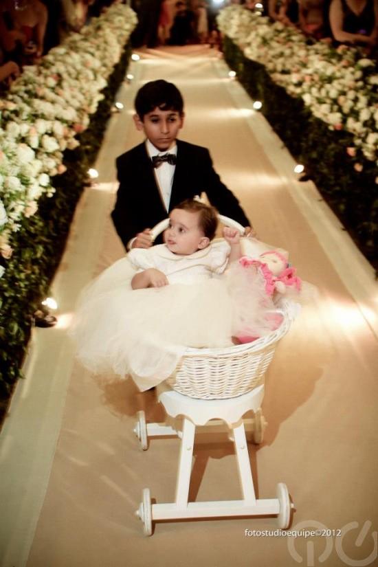 Casamento Carioca, do Pânico: daminha bebê e pajem. Foto Studio Equipe.