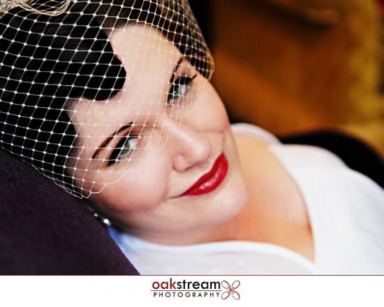 Noiva de batom vermelho. Foto: Oak Stream Photography.