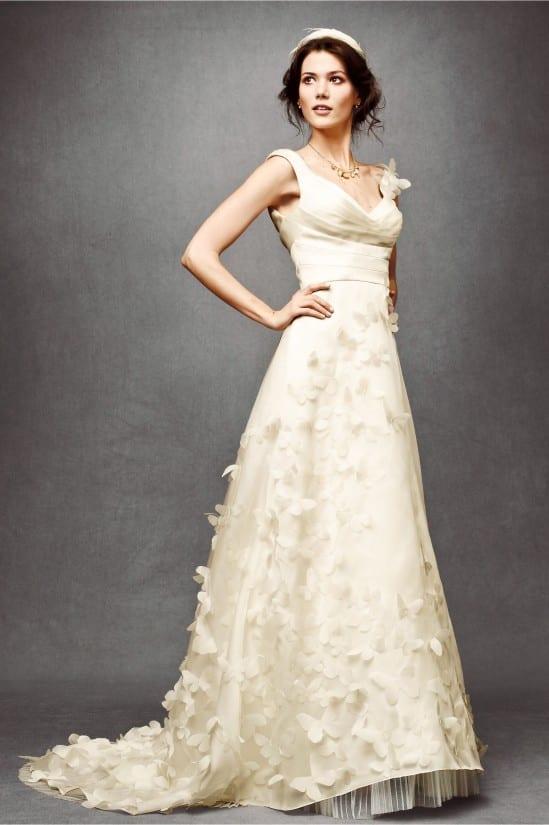 Vestido de noiva com borboletas costuradas. Loja: BHLDN.