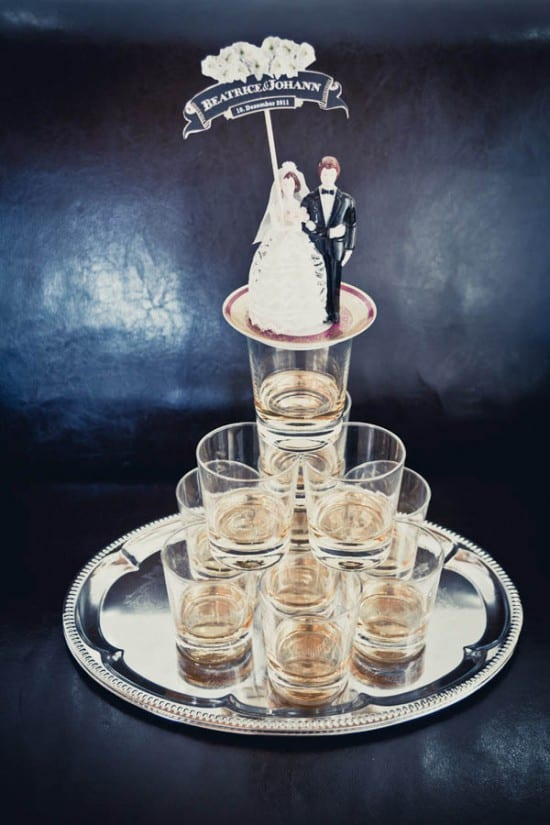Bolo de casamento de copos de whisky. Foto: Frank Daniels.