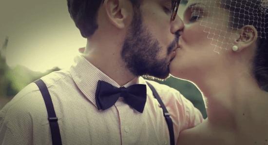 Casamento: noivo com gravata borboleta. Foto: Tudo Vira Foto.