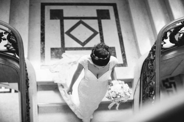 Noiva em preto e branco vista de cima. Foto: Danilo Siqueira.