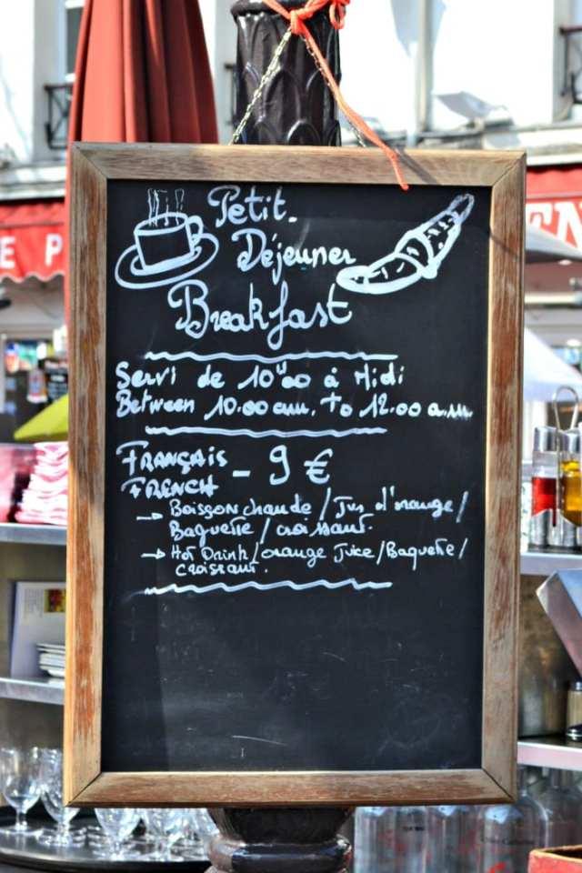 Lua-de-mel em Paris: Café da manhã em Paris: croissant e baguete!
