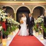 Cerimônia de casamento na igreja Paróquia São José do Ipiranga: entrada da noiva com o pai da noiva.
