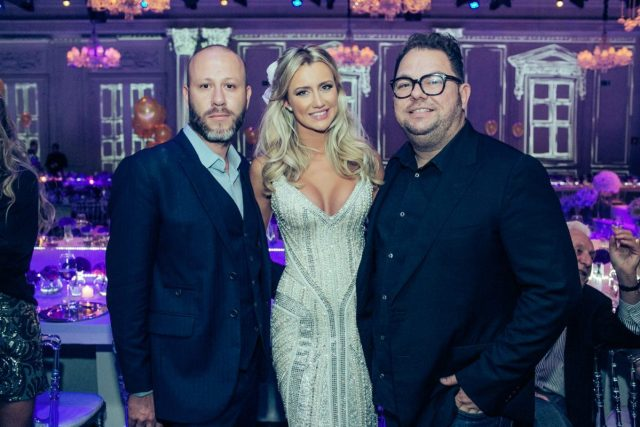 Samuel Cirnansck, Ana Paula e Jr Mendes, maquiador e cabelereiro no casamento de Roberto Justus e Ana Paula Siebert.