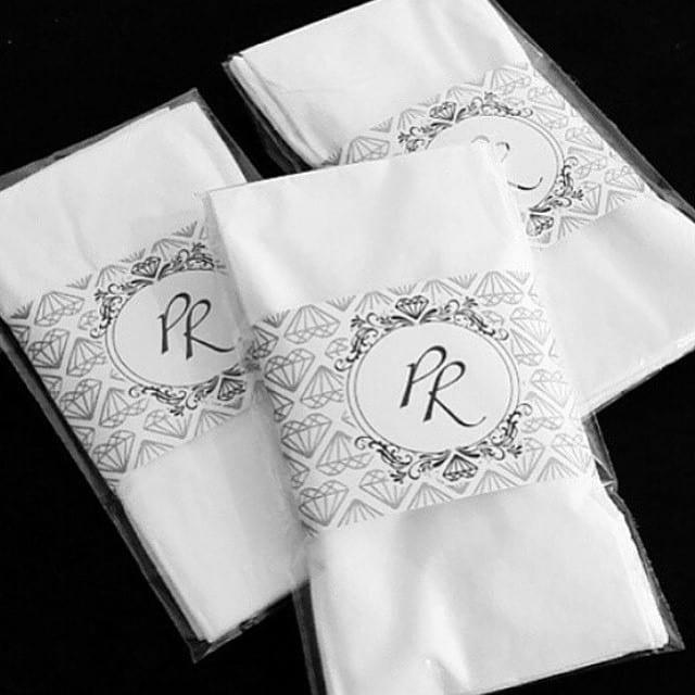 Lencinhos para convidados personalizados do casamento de Preta Gil e Rodrigo Godoy.