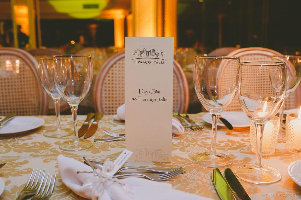 Mesa de jantar do evento Diga Sim no Terraço Itália (decoração da Flower People e foto Mário Lima).