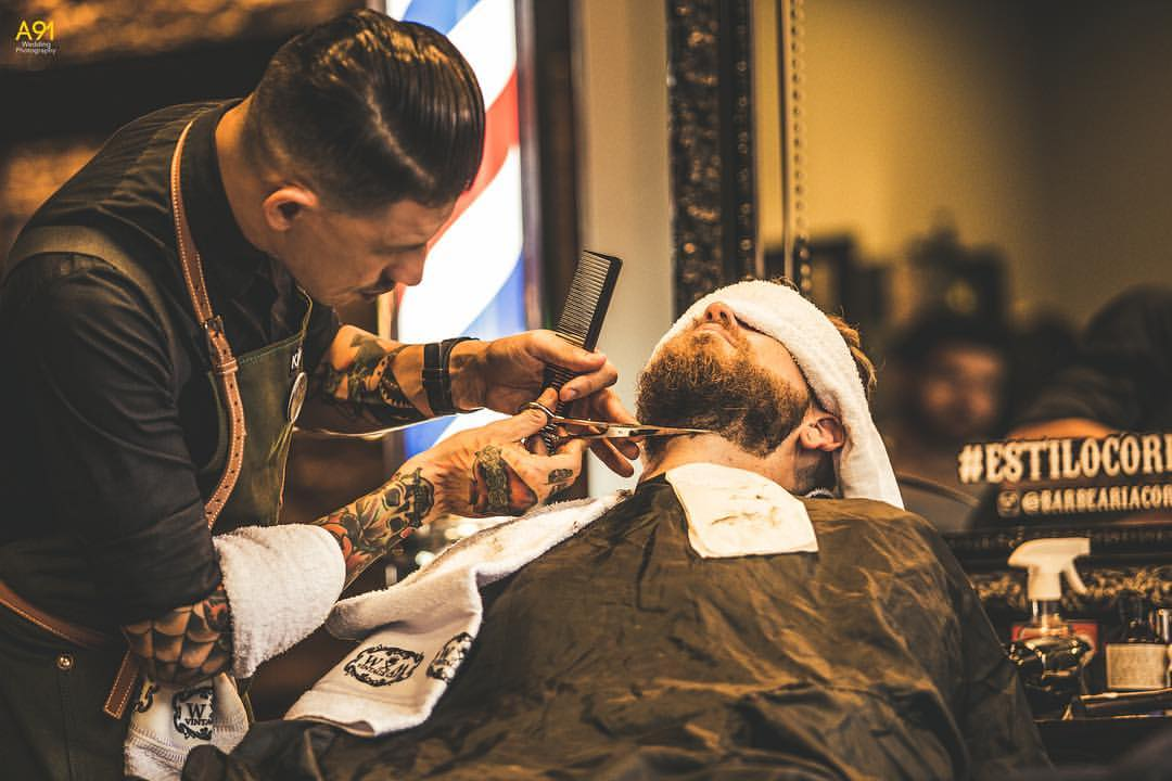 Dia do noivo na barbearia Corleone. Foto: A91 Wedding Photography.