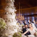 Noivos cortando bolo. Casamento ostentação do casal milionário Djalma e Priscila. Foto: Celso Junior e Ueslei Marcelino.