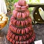 Torre de macarons da Petite Fabrique. Foto: Planejando Meu Casamento.