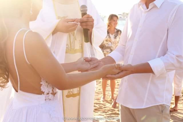 Melhores fotógrafos de casamento na praia (Ilhabela, Maresias e São Sebastião): Luiza Marques. Mais inspirações no site Planejando Meu Casamento ( www.planejandomeucasamento.com.br ).