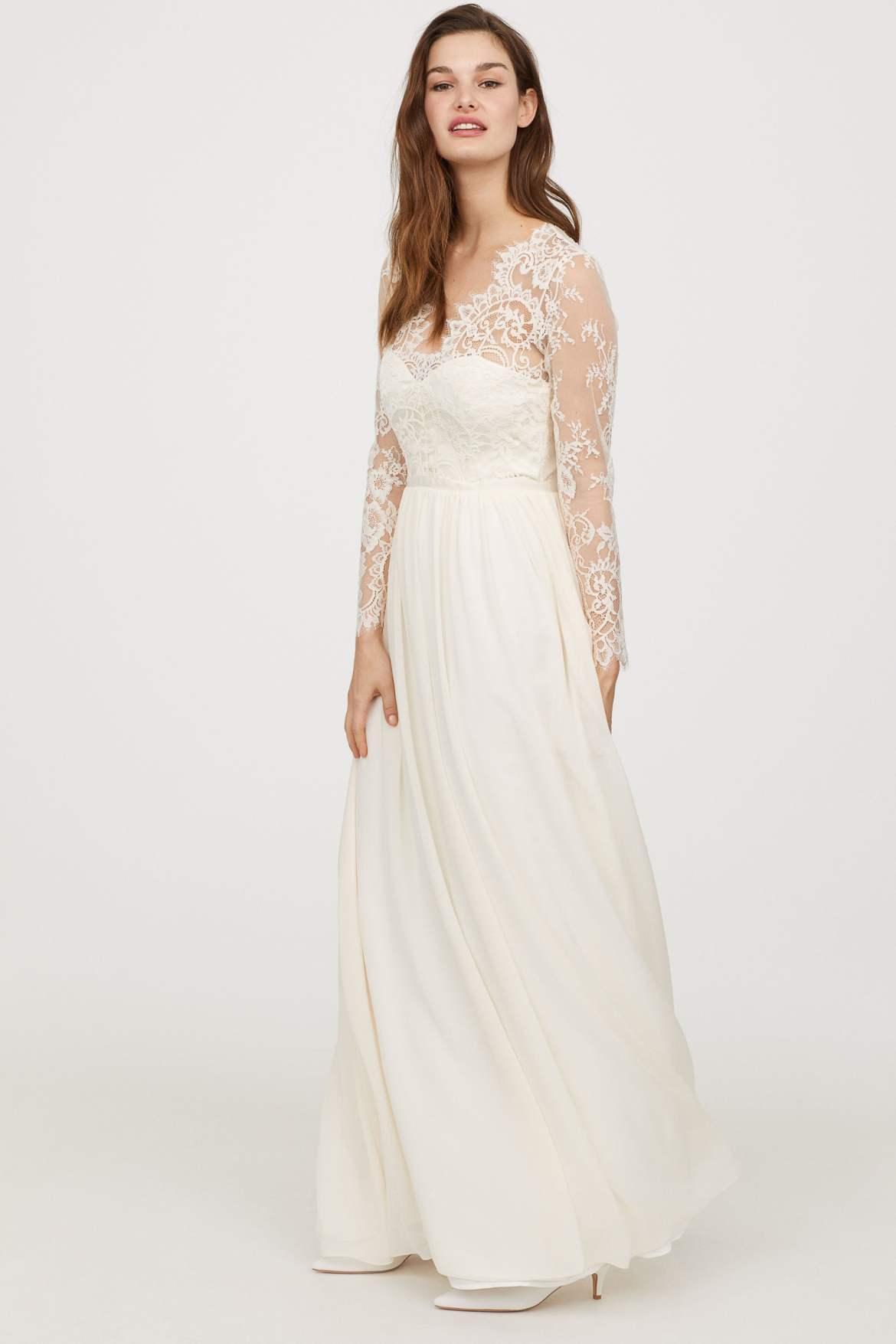Vestido de noiva barato da H&M Wedding Collection inspirado no vestido da Kate Middleton. Publicado em www.planejandomeucasamento.com.br