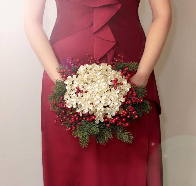 Buquê de noiva natalino, para casamento no Natal. Mais dicas em www.planejandomeucasamento.com.br