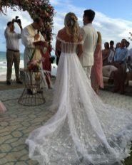 Cauda do vestido de noiva do Casamento de Karina Bacchi e Amaury Nunes. Foto: @nezacesar