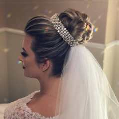 Fotos de penteados de noiva: coque. Foto: @ojoaquim