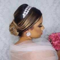 Fotos de penteados de noiva: coque. Foto: @veralehmann.makehair
