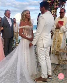 Vestido de noiva do Casamento de Karina Bacchi e Amaury Nunes. Foto: @centraldanoiva
