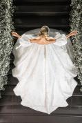 Vestido de noiva de Thássia Naves. Fotos do casamento: Anna Quast e Ricky Arruda.