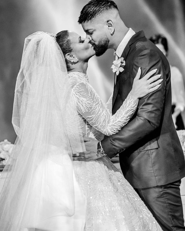 Beijo dos noivos - Casamento Viviane Araújo e Guilherme Militao