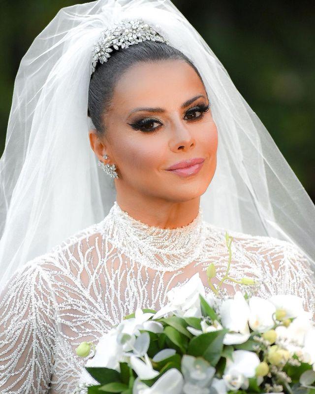 Maquiagem de noiva Viviane Araújo- Casamento Viviane Araújo