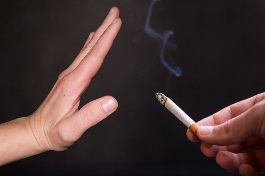 Arrêter de fumer, quels sont les moyens de substitution ?