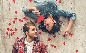 कैसे अपने पति के साथ प्यार में फिर से गिरना