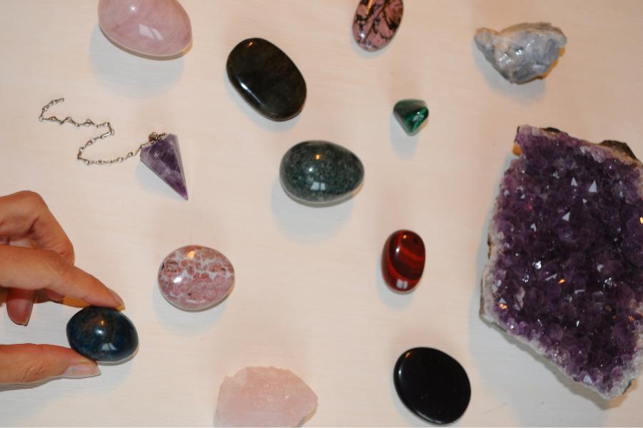 You are currently viewing Quelle éthique derrière les pierres et cristaux ?