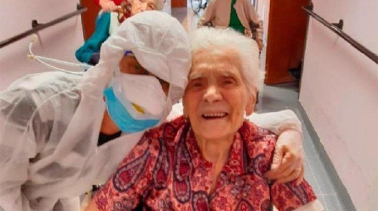 Ada, la abuela de 104 años que superó la gripe española, dos Guerras Mundiales y ahora se curó del nuevo virus.