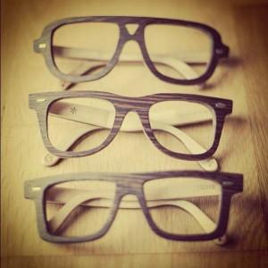 Las gafas fueron uno de los primeros complementos en incorporar la madera en su diseño.