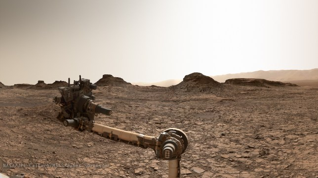 Curiosity arrives at Murray Buttes. Image Credit: NASA/JPL-Caltech/MSSS/James Sorenson
