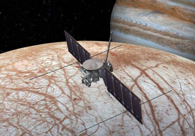 Artist's conception of the Europa Clipper spacecraft near Europa. Image Credit: NASA/JPL-Caltech