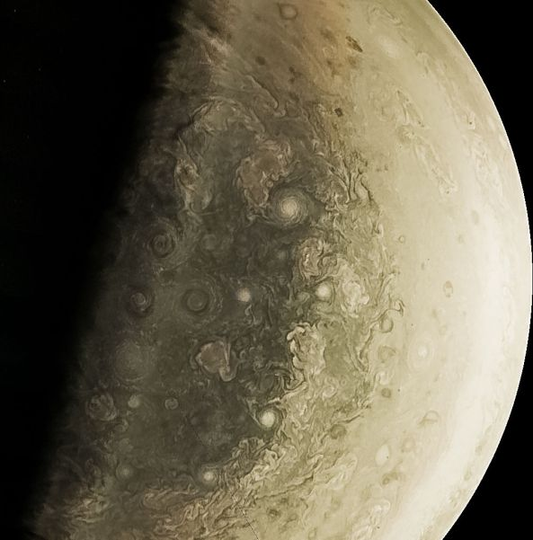 1-juno-cam-credit-nasa