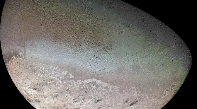 Triton seen by Voyager 2. © NASA