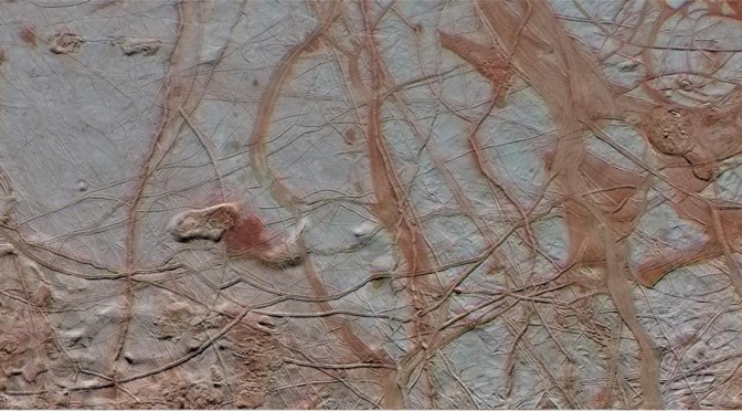 The surface of Europa seen by Galileo. © NASA