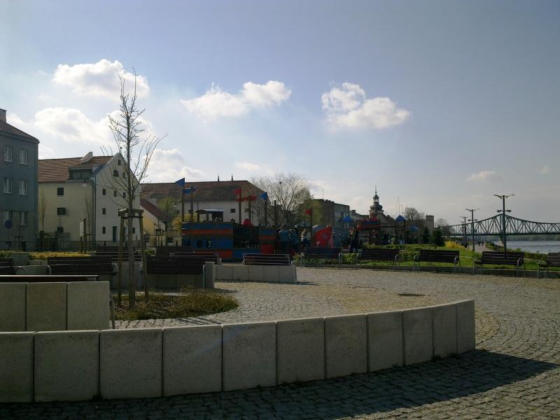 Bulwary im.J. Piłsudskiego weWłocławku zespichrzami obecnie Muzeum Ziemi Kujawskiej iDobrzyńskiej