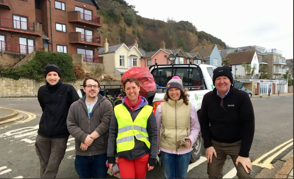 Shanklin beach clean