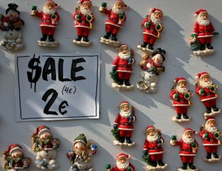 Christmas on Sale - Santa Claus magnets
