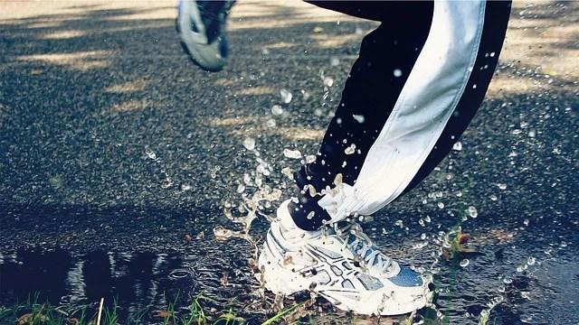 Courir sous la pluie sans être mouillé