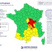 """Alerte rouge """"crues"""" sur la Loire en aval"""