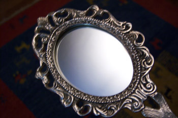 The Mirror Talks - Reflections on Narcissism #1