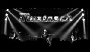 Mustasch-Essen-2-1336 (Small)