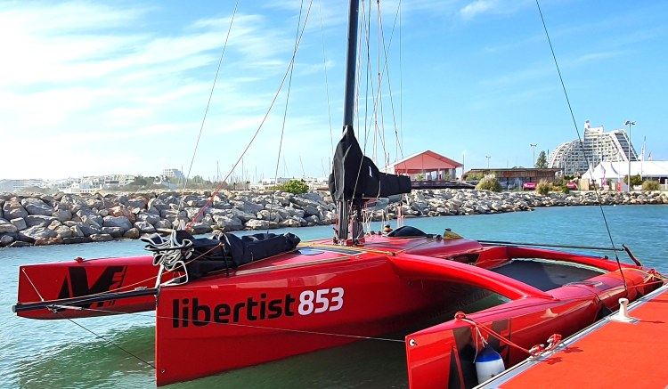Libertist 853 at rest showing working deck