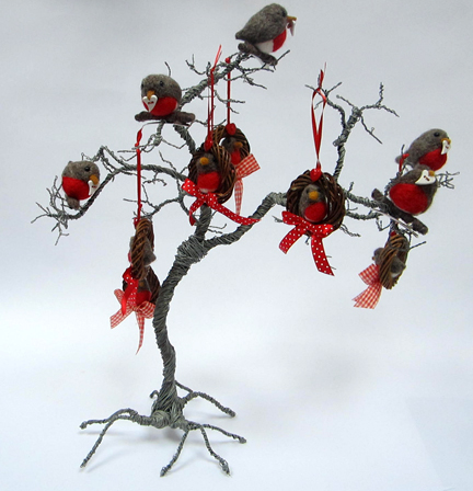 wire tree with needlefelt robins