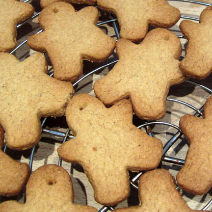 Spice Biscuit Men for Advent Calendar Day 18