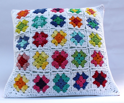 Granny square cushion - crochet pattern
