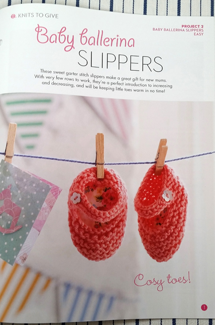 Simple Stylish Knitting Baby Slippers