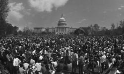 1971-Vietnam-War-protest-march