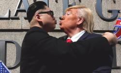 trump kim kiss1