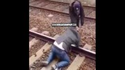 Belgian White Supremacist Tries To Kill A Black Man At A Train Station, Black Man Beats The Ish Out Of Him On The Train Tracks!